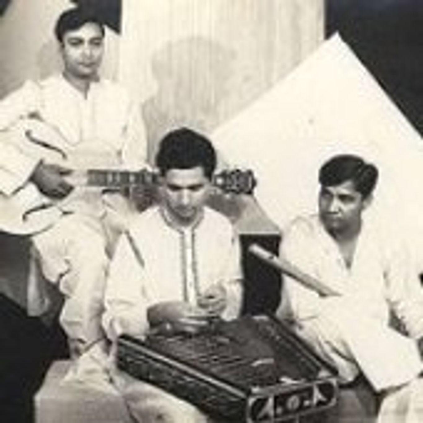 Pt. Shivkumar Sharma, Pt. Hariprasad Chaurasia & Pt. Brijbhushan Kabra