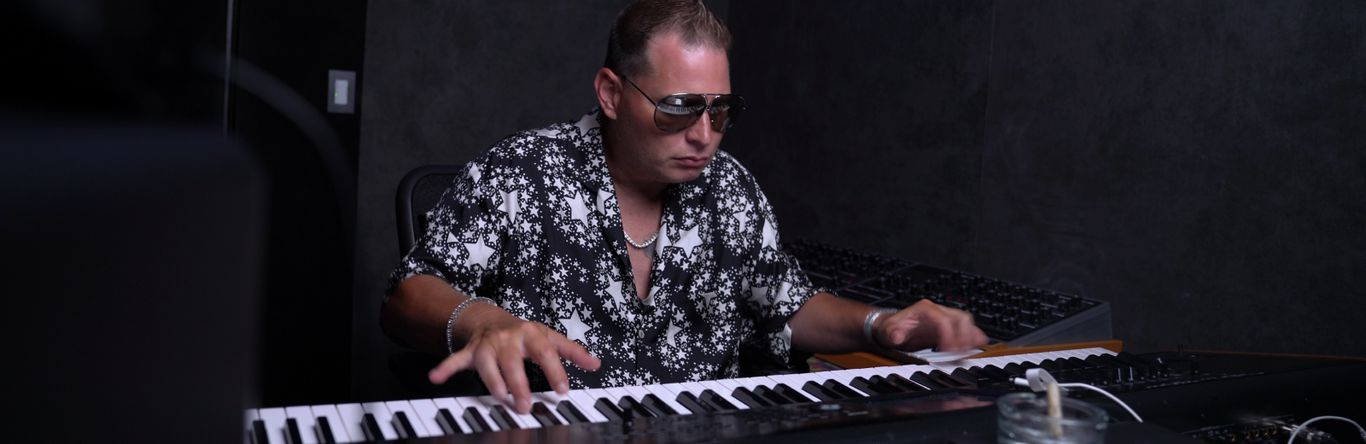 Beat Battle: Sampling with Scott Storch